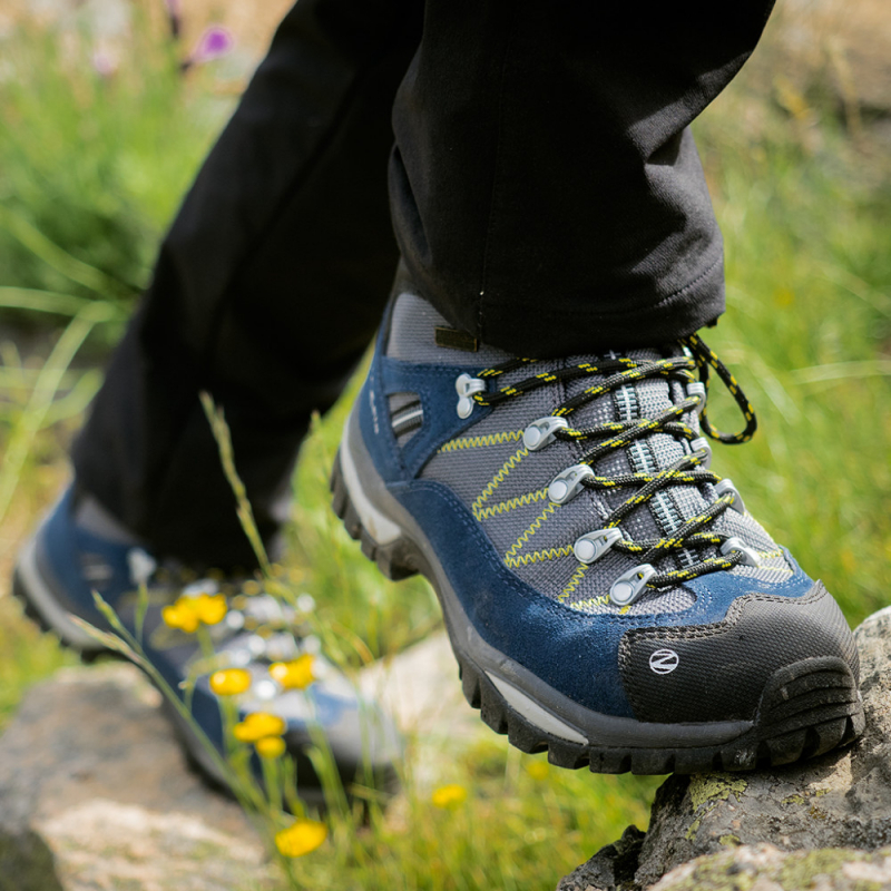 Pánska turistická obuv vysoká TREZETA-ADVENTURE WP BLUE-YELLOW - Pánska obuv značky Trezeta pre turistov, ktorí hľadajú pohodlie a ochranu pri mnohých hodinách intenzívneho trekingu.