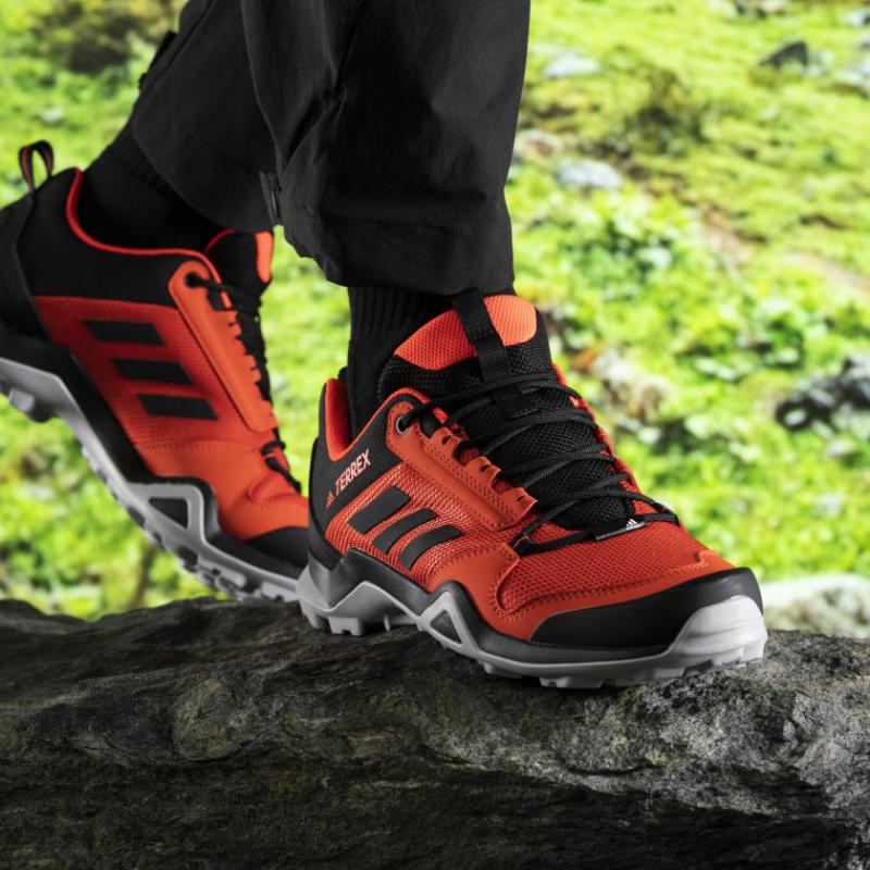 Pánska turistická obuv nízka ADIDAS-Terrex AX3 gloamb/cblack/solred -
