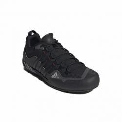 Pánska nízka turistická obuv ADIDAS-Terrex Swift Solo grey six/core black/scarlet
