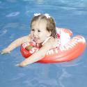 """Nafukovacia Vesta FREDS SWIM ACADEMY SWIMTRAINER Classic 6 -18 kg red - Červené výučbové plávacie koleso SWIMTRAINER """"Classic""""sa používa k zoznámeniu bábätka s vodou a k výučbe správnych pohybov nôh pri kúpaní (žabací reflex)."""