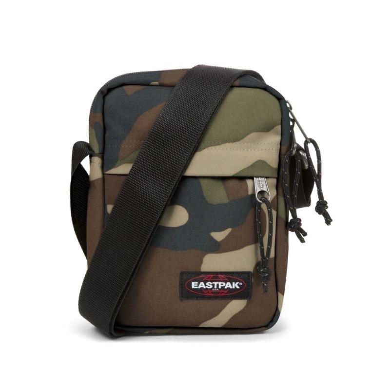 Malá taška cez rameno EASTPAK-THE ONE Camo - Malá taška cez rameno značky Eastpak s aktuálnym maskáčovým vzorom.